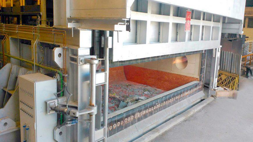 Installation von zwei 50-Tonnen-Kippöfen bei Befesa-Asúa