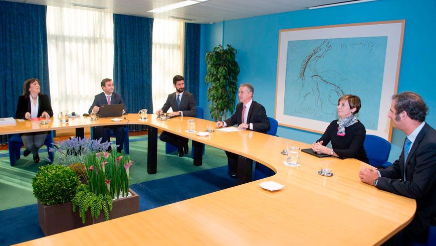 El Lehendakari ha recibido a responsables de la empresa GHI Hornos Industriales