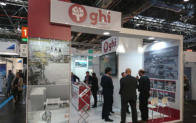 Numerosa asistencia de visitantes al stand de GHI, Smart Furnaces en la Feria Aluminium.